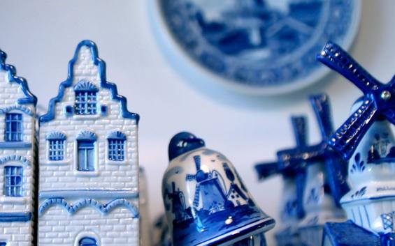 Delft ceramic blue houses